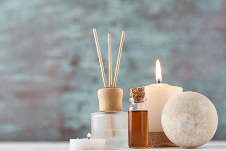How to Make These 5 Simple DIY Bathroom Scents?