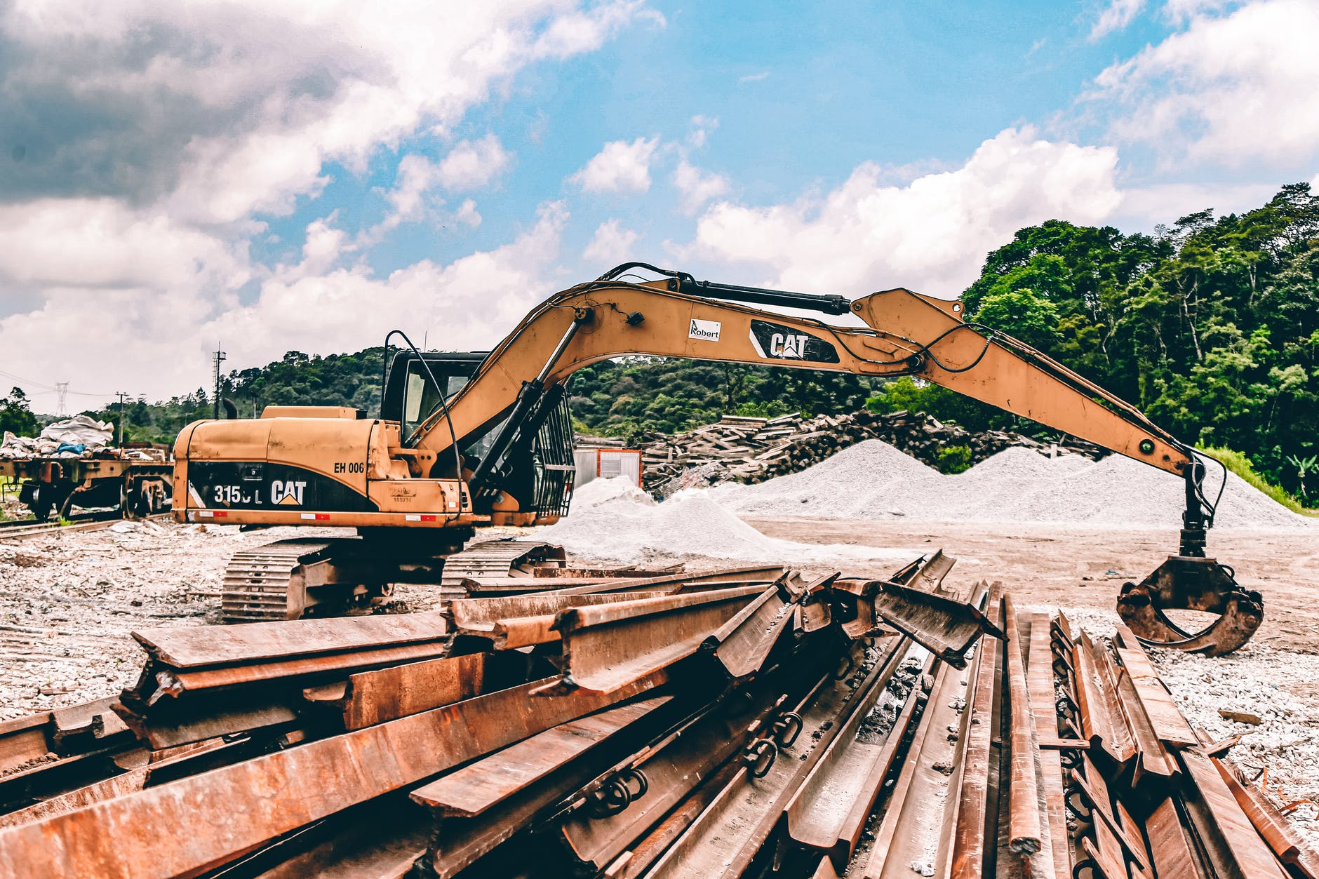 How To Choose The Right Accounting Software For Construction Company